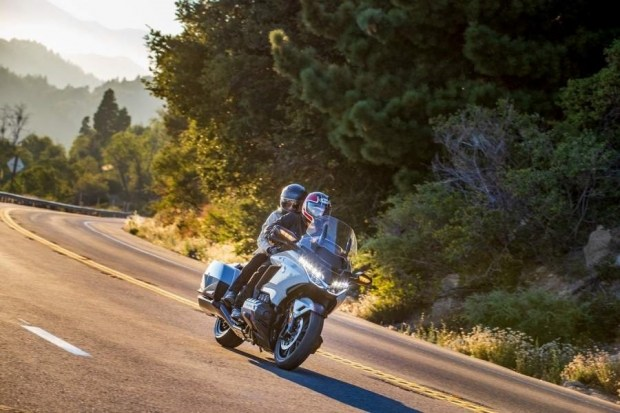Оновлений мотоцикл Honda GL1800 Gold Wing 2021!