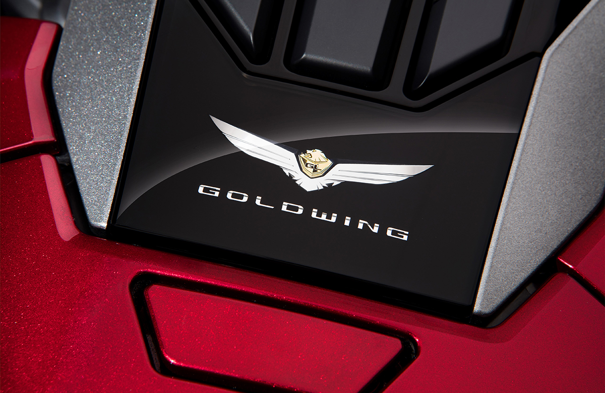 115647_gl_gold_wing_tour.jpg